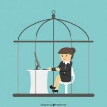 employe de bureau enferme dans une cage a oiseaux 23 2147501684 e1435839873243 - Prisonnier de son travail
