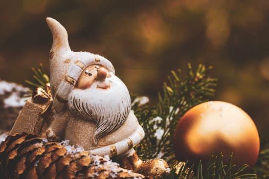 père noël doré - Faut-il croire (encore) au Père Noël ?